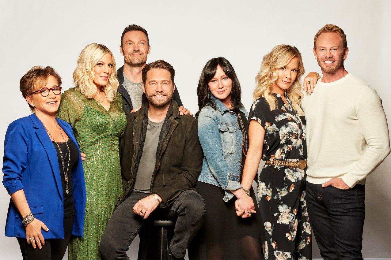 Beverly Hills, 90210 Season 11 cast photo CR: Fox